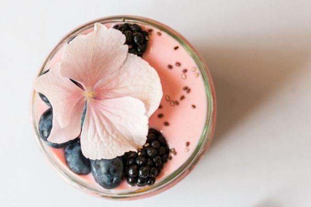 Koktajl owocowy jest dobrym pomysłem na to, czy zastąpić słodycze.